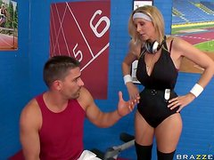 Working Out For a Competition By Fucking The Sporty Blonde MILF Julia Ann