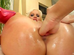 Horny Lesbians Have An Amazing Time Fisting One Another
