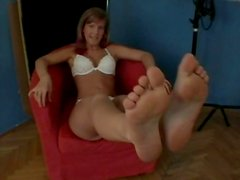 Kinky Ladies Show Their Feet And Pussies In An Interview
