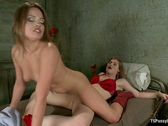 Sexy Cowgirl Getting Her Pussy Fucked by a Shemale's Dick