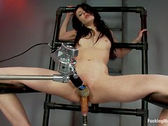 Hot Babe Aiden Ashley Gets a Wet Pussy from a Machine Banging
