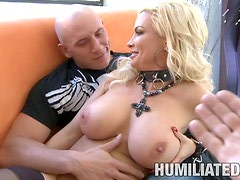 A Hot Bondage Scene With The Gorgeous Milf Diamond Foxxx