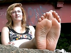 French barefeet girl 1