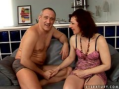 Mature lady with natural tits Debra is so fucking hungry