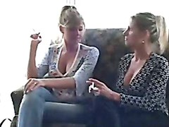 2 smoking girls