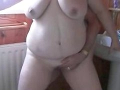 BBW wife fingered until she squirts
