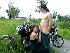 Rusas - Amateur anal fuck on a bike