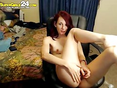 gorgeous red fox play pussy