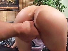 Teen Latina Chiquita Lopez gives in all holes