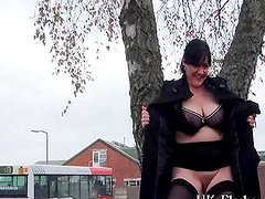 Exhibitionist English Amateur Andreas Flashes