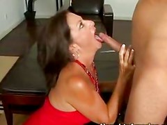 Margo is a sexy cougar