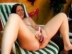 SexiShannon fucks pussy and cleans it her mouth