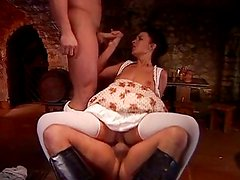 Criada - BarMaid fucked by two Musketeers