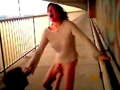 Chick fingered on public bridge