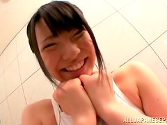 Ai Uehara gets her pussy fingered before giving a blowjob