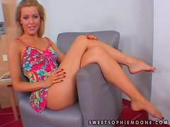 Sandra Black and Sophie Moone toy and lick their pussies