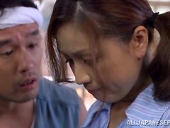 Yurie Matsushi gets her snatch toyed by two kinky dudes indoors