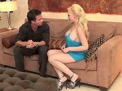 Juggy blond chic gets drilled in doggy pose
