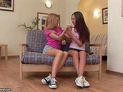 Two kinky teens know the deal of lesbian sex