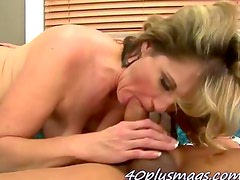 lonely mature housewife enjoys her fuck buddy