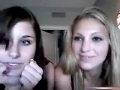 2 Superhot Gals Tease With Their Exposed Bodies On Livecam