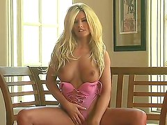 Wow, just look at this glamour blondie with perfect body Tommie Jo! The stunning babe is one