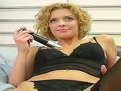 Amateur curly hottie from this video looks adorable. Today she is going not only to