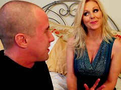 Mature seductress Julia Ann shows off her perfect cock sucking skills