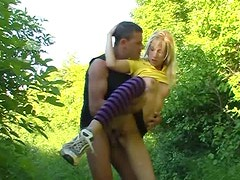 Foxy blond amateur gives face sitting to aroused fucker before riding him