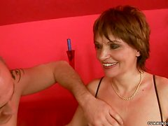 Orgasm hungry granny gets to cum town with a pump