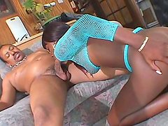 Slick ebony with shaved pussy fuck in her anal