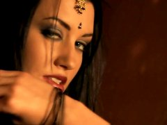 Deep sexy eyes of stunning Bollywood star in a hot teasing sex video