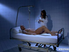 Sexy doctor is breezing in him life through a blowjob