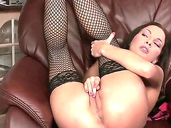 Lauryn May with tiny tities and bald beaver bares