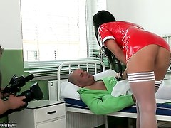 Brunette Cloe screams from endless orgasms after