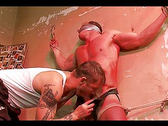 Hot homosexual sex of the bondage variety