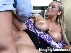 Abbey Brooks with phat bottom makes her sex dreams