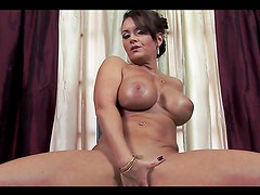 Blue-eyed MILF with huge tits blowjobs and titjobs in POV