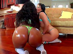 Ashli Orion and Jayden Starr are the main actors of this amazing threesome where everyone wins.
