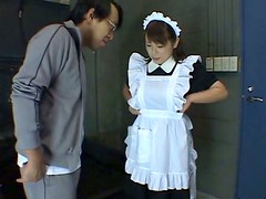 Bootyful Japanese maid gets her body splashed with cold waqter