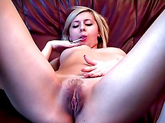 Teen chick's solo home video