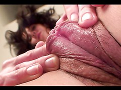 A mature whore fingers her ugly-ass snatch