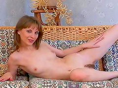 Hairy babe loves solo action