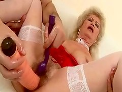 Disgusting hairy clam of mature aunty is getting toy fucked in dirty porn video