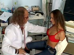 Brave brunette girlie Wendy provides old frightful man Otto with a blowjob