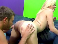 Horny blonde is facesitting her partner before fucking