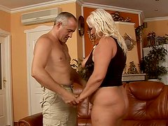 Sizzling flamboyant blond mom gives deep blowjob to aroused BF