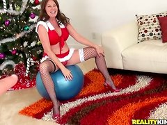 Bella Roxx Sexy MILF Dressed in Santa Outfit Gives Head and Fucks