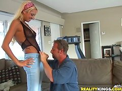 Horny dude fucks sexy Donna and cums on her round ass