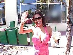 Big titty whore gets her gash fucked in the backseat